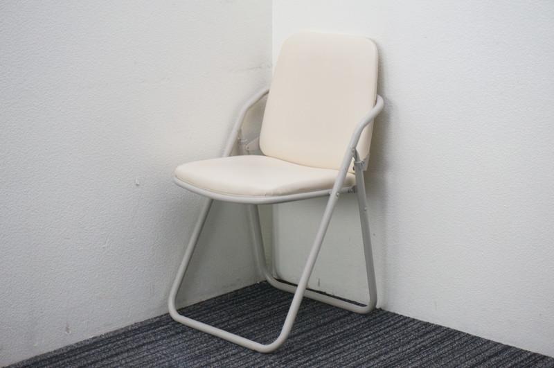 サンケイ 折りたたみパイプ椅子 ホワイト 【店頭販売のみ】
