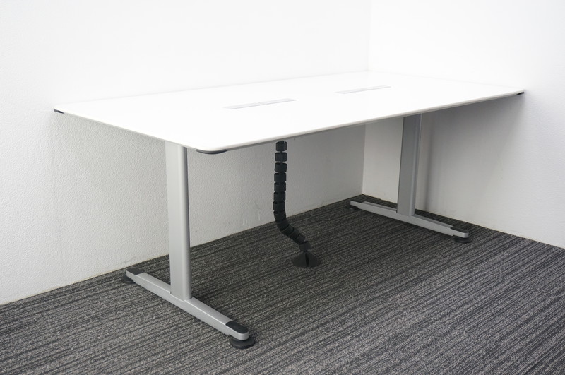 コクヨ アリーナT ミーティングテーブル 1890 コンセント/USBソケット付