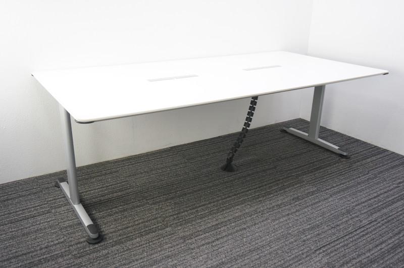 コクヨ アリーナT ミーティングテーブル W2100 D1050 H700 コンセント/USBソケット付