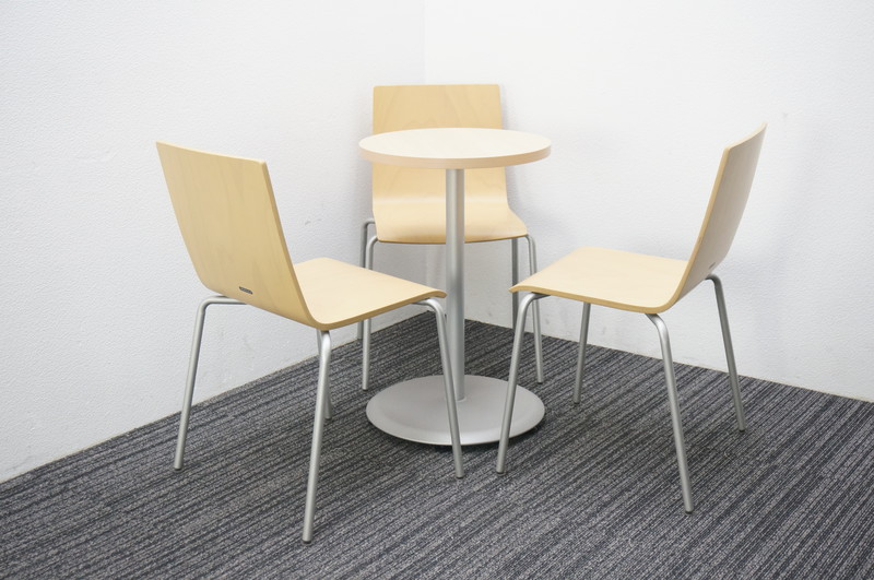 オカムラ アルトカフェ 丸テーブル+木製チェア 3脚セット