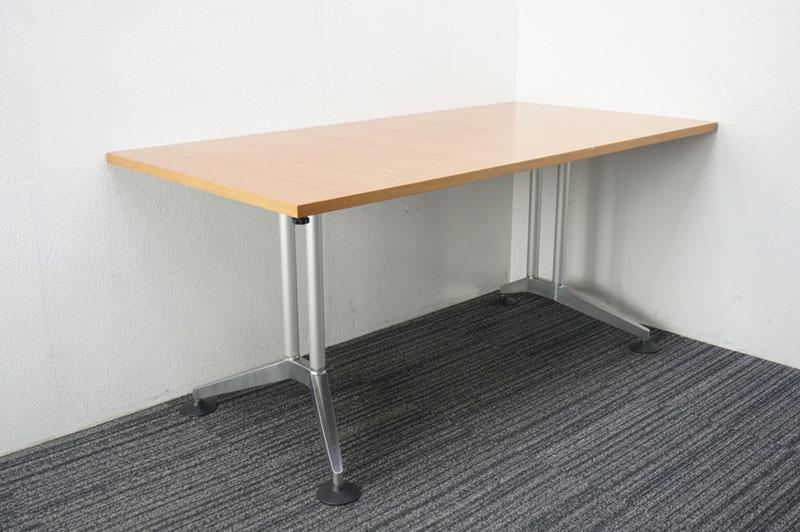 ウィルクハーン ロゴン ミーティングテーブル 1680 H730 (1)