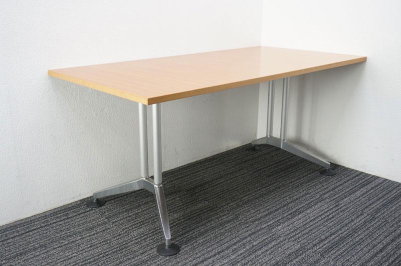 ウィルクハーン ロゴン ミーティングテーブル 1680 H730 (2)