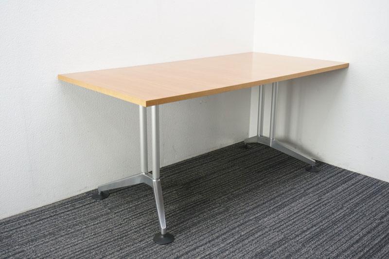 ウィルクハーン ロゴン ミーティングテーブル 1680 H730 (3)