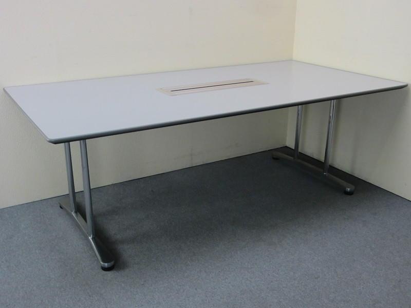 オカムラ インターレイス ミーティングテーブル 21105 H720 ライトグレー