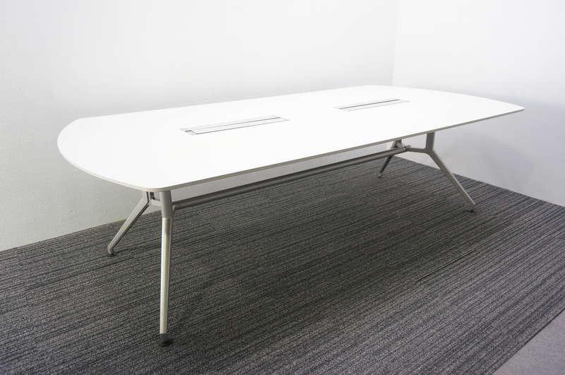 【展示品】 イトーキ DD 両アール型ミーティングテーブル 2412 ホワイト