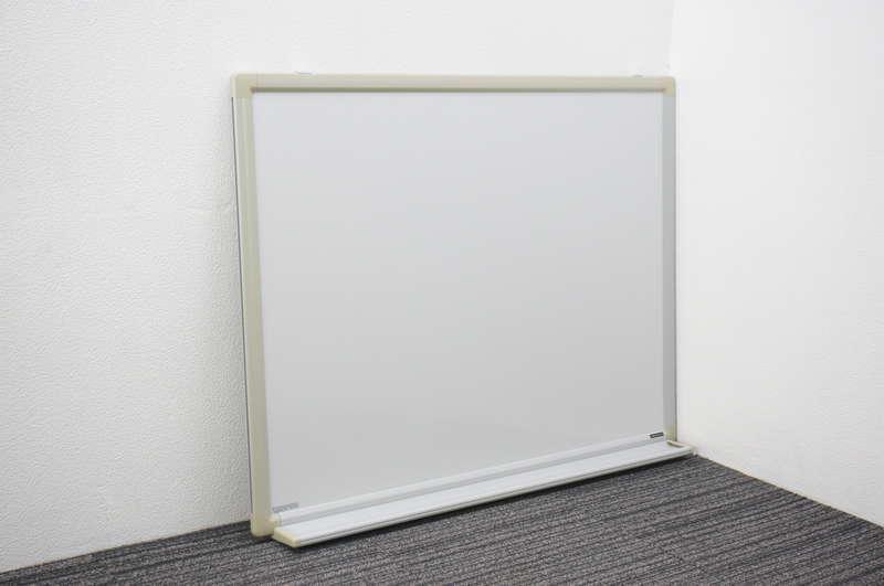 オカムラ 壁掛け式ホワイトボード 34 暗線 (1)