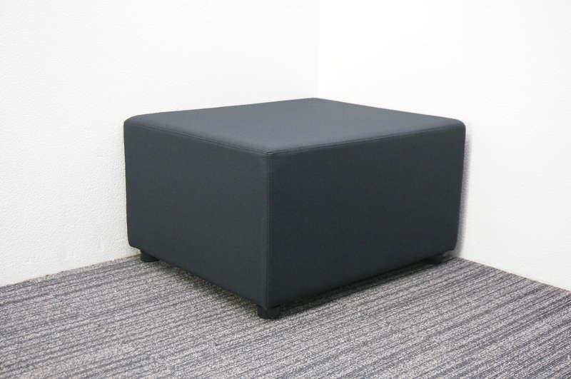 【B級 未使用品】 イトーキ LS 1人用ロビーチェア ブラック W600 D700 H400