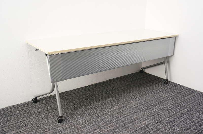 オカムラ ネスティア フラップテーブル 1860 幕板付 ライトプレーン