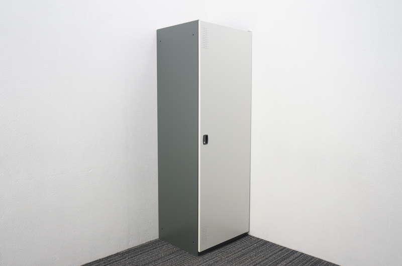 【開梱未使用品】 エムテックス 清掃用具スチールロッカー W600 D500 H1750