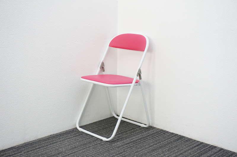 【店頭販売のみ】藤沢工業(株) 折りたたみパイプ椅子 ピンク