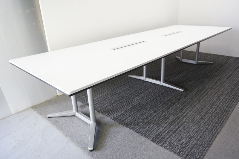 オカムラ ラティオ2 ミーティングテーブル 3612 ホワイト (1)
