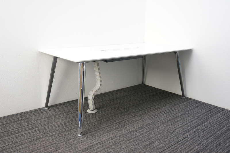 オカムラ プリシード ミーティングテーブル 配線ダクト付 1890 ホワイト