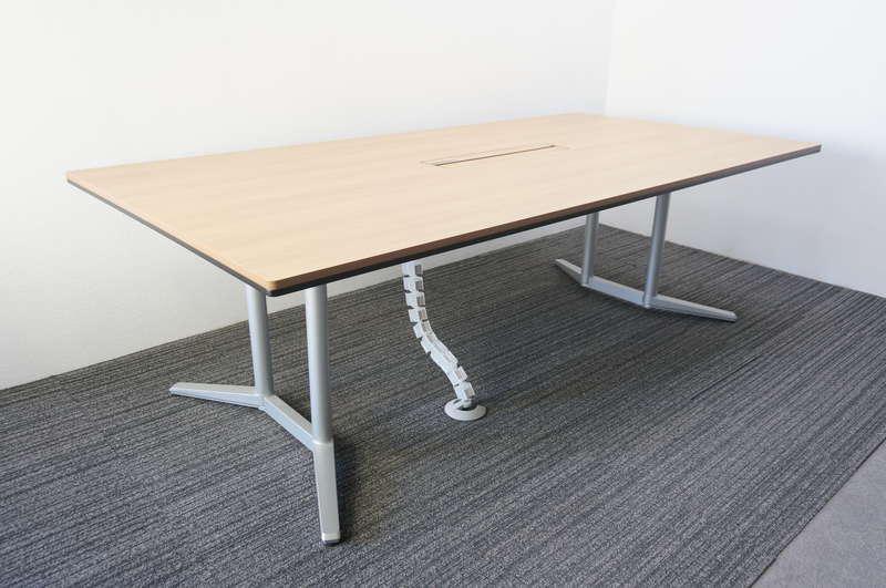 オカムラ ラティオ2 ミーティングテーブル 2412 ネオウッドミディアム