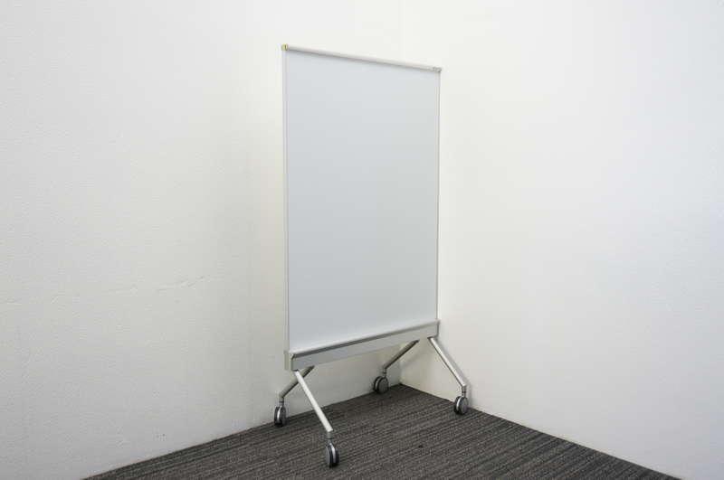 オカムラ アルトトーク スタンドボード ホワイトボード/スクリーン W880 D553 H1600 (1)