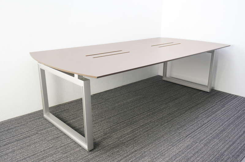イトーキ インフューズ 両アール型ミーティングテーブル 2412 ロ字脚タイプ 配線対応天板仕様 ファインウォールナットD