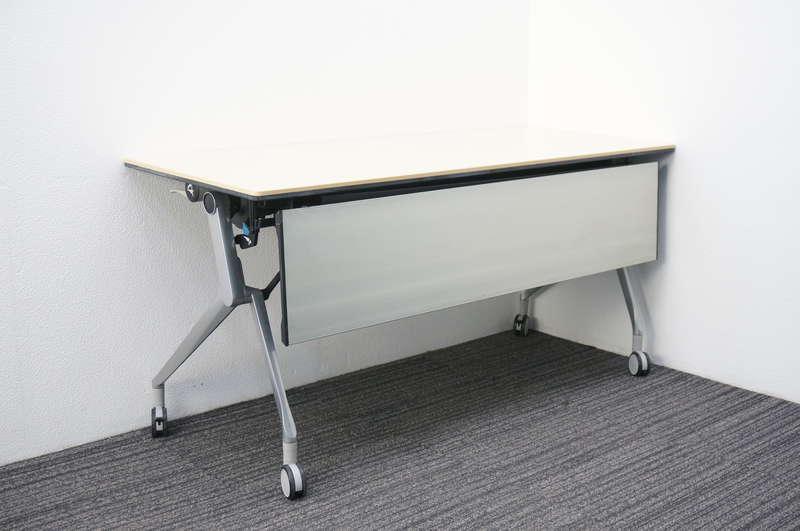 オカムラ インターアクトNT フラップテーブル 1560 幕板付 棚板付 配線ダクト無し ライトプレーン