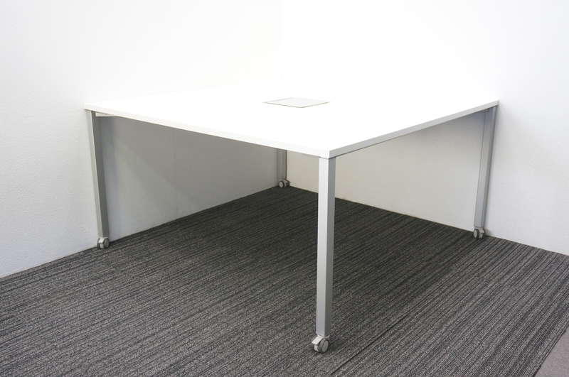オカムラ アプションフリー ミーティングテーブル 1414 キャスター脚 ホワイト