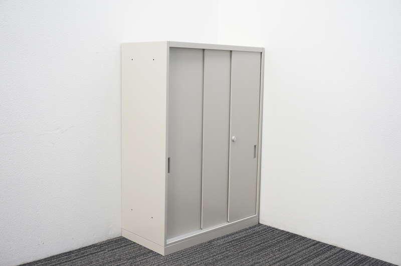 オカムラ 42-A 3枚引戸書庫 W800 D400 H1150