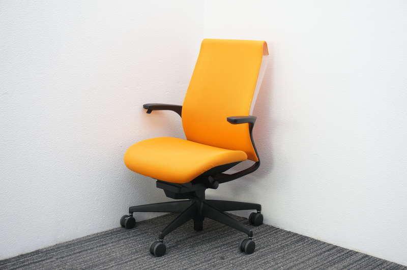 コクヨ M4 肘付 マンダリンオレンジ
