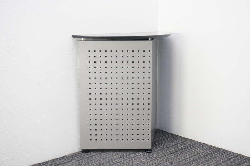 イトーキ 無人インフォメーションカウンター シルバーメタリック/オフブラック W900 D400 H900
