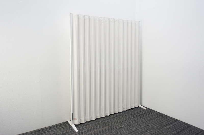 タチカワ アコーディオンスクリーン ホワイト W1350 D368 H1600