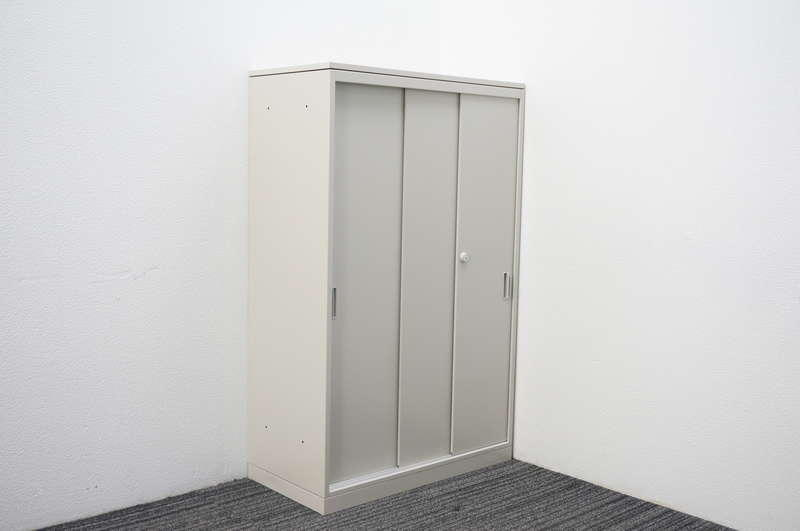 オカムラ 42-A 3枚引戸書庫 天板付 W800 D400 H1270