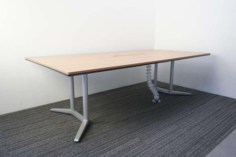 オカムラ ラティオ2 ミーティングテーブル 2412 天板同色ダクト ネオウッドミディアム