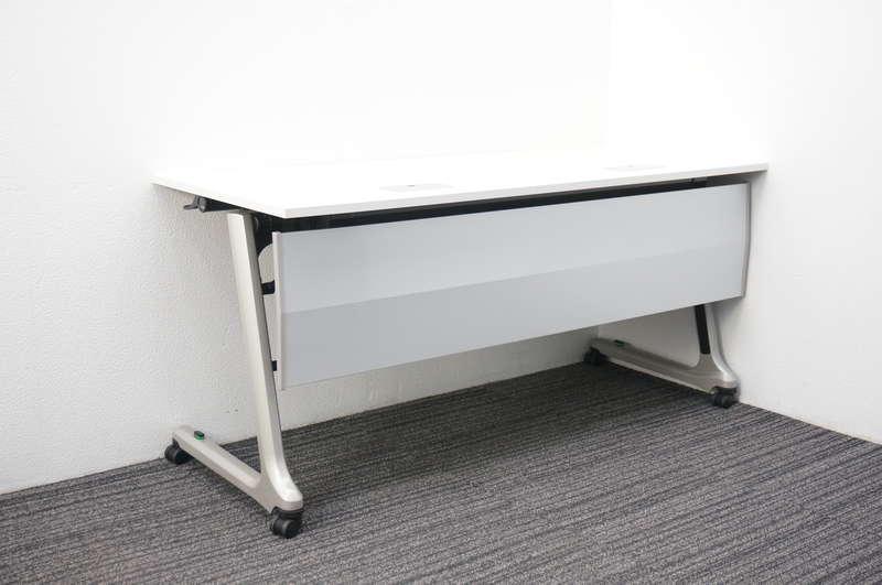 イトーキ コンシア フラップテーブル 1560 幕板付 網棚付 コンセント・USB付 ホワイト