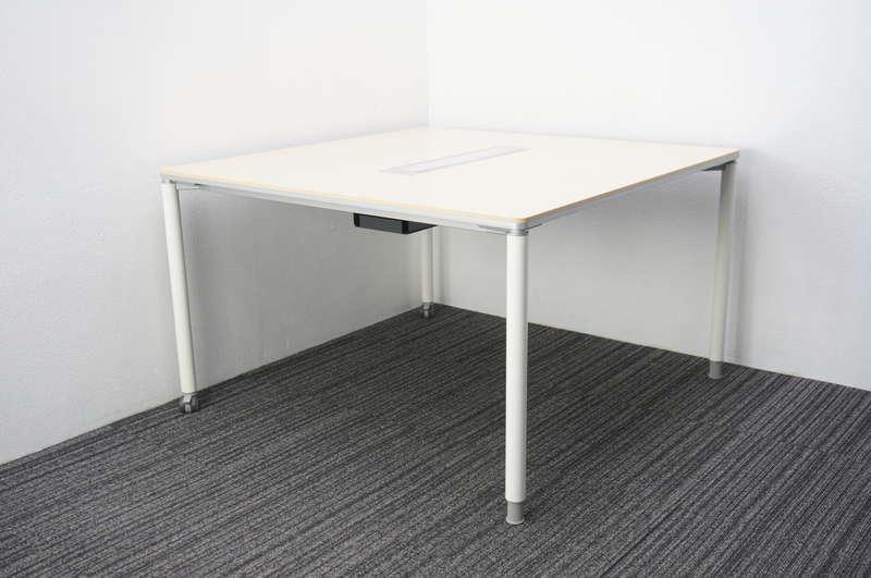 オカムラ アプションフリー ミーティングテーブル 1212 片側キャスター脚 ライトプレーン