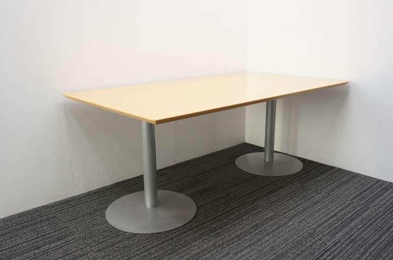 【店頭販売のみ】fantoni ミーティングテーブル 1810 H725 (1)