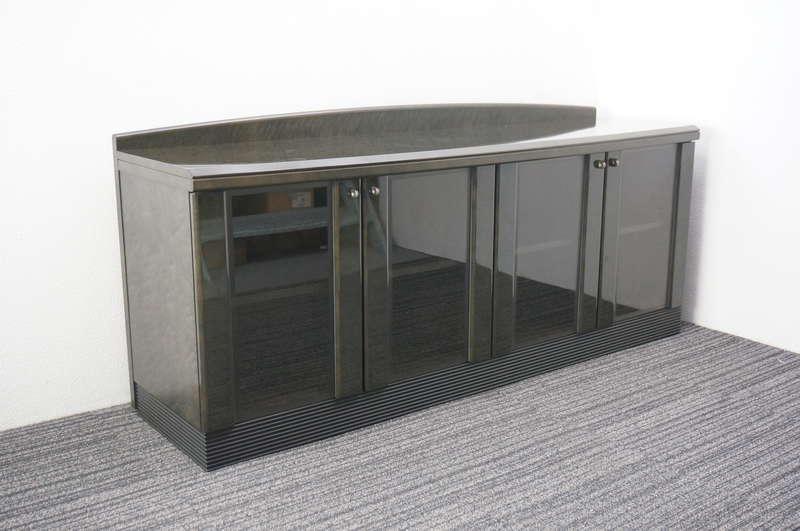 オカムラ ニューフォーティ 木製サイドボード ガラス扉 W1800 D520 H800