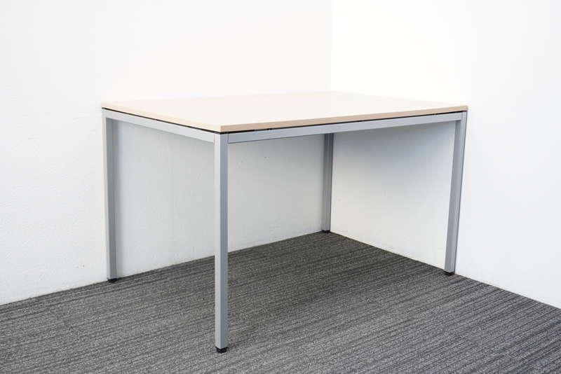 【2019年製】オカムラ トレッセ ミーティングテーブル 1280 ネオウッドライト