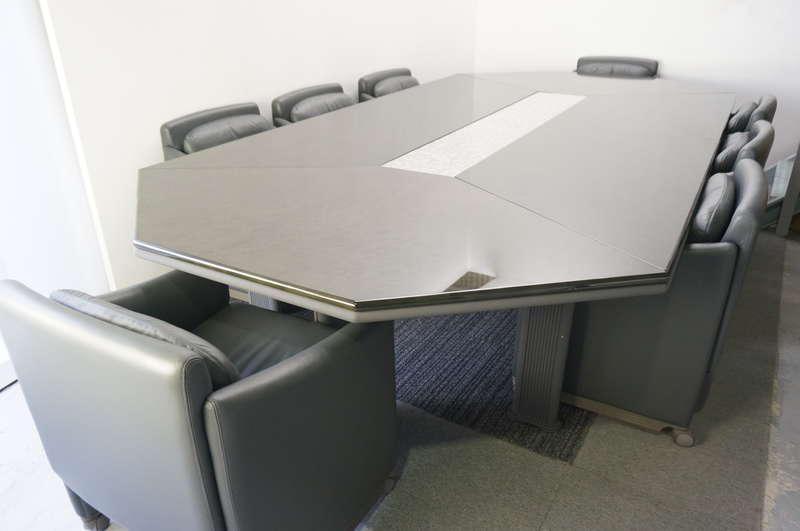 オカムラ ニューフォーティー ミーティングテーブル 3618 + 会議イス×8脚セット