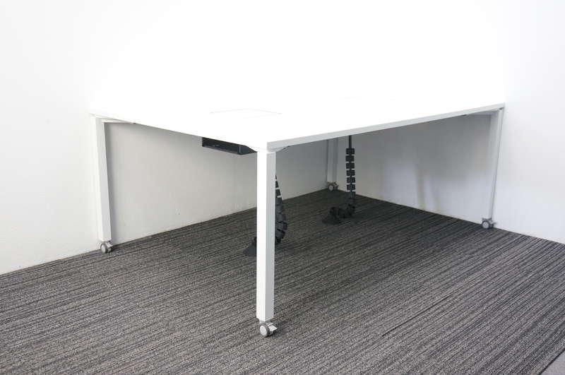 コクヨ ワークフィット ミーティングテーブル 1812 キャスター脚 ホワイト