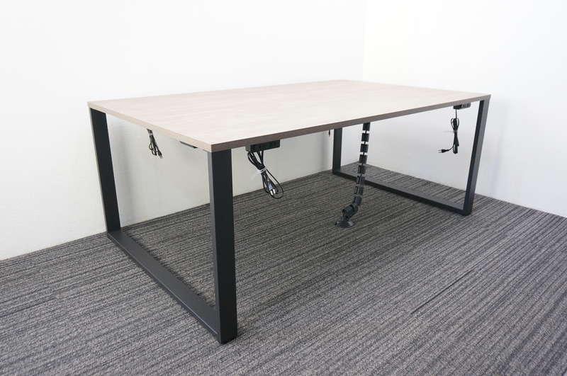 イトーキ ノットワーク スタンダードテーブル 両面タイプ 1811 配線ダクト×1/電源コンセント×4 ノルディックバーチ