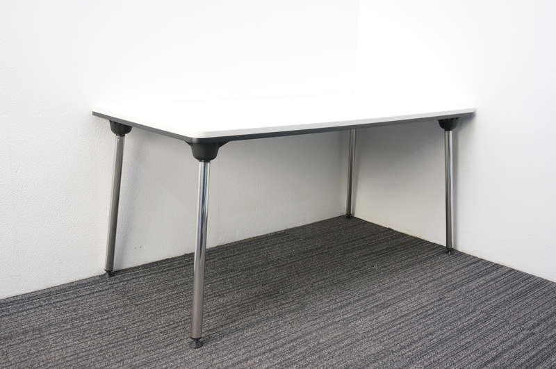 オカムラ WOGG(ウォグ) 折りたたみテーブル 1575 ホワイト