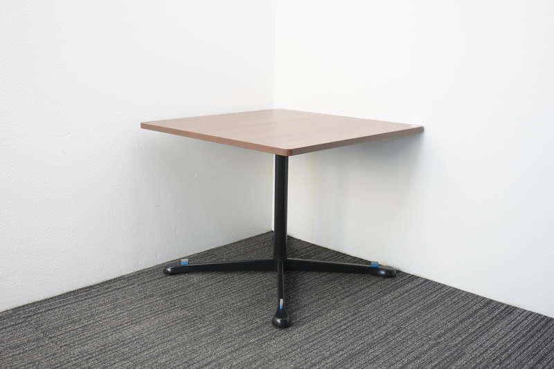 【2017年製】オカムラ アクティアフェロー ミーティングテーブル 正方形タイプ キャスター脚 0990 ネオウッドダーク