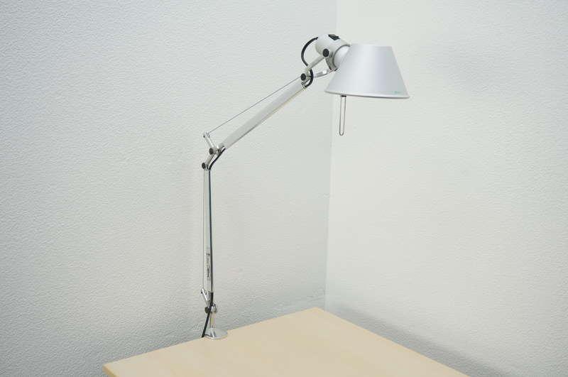 アルテミデ トロメオ テーブル照明