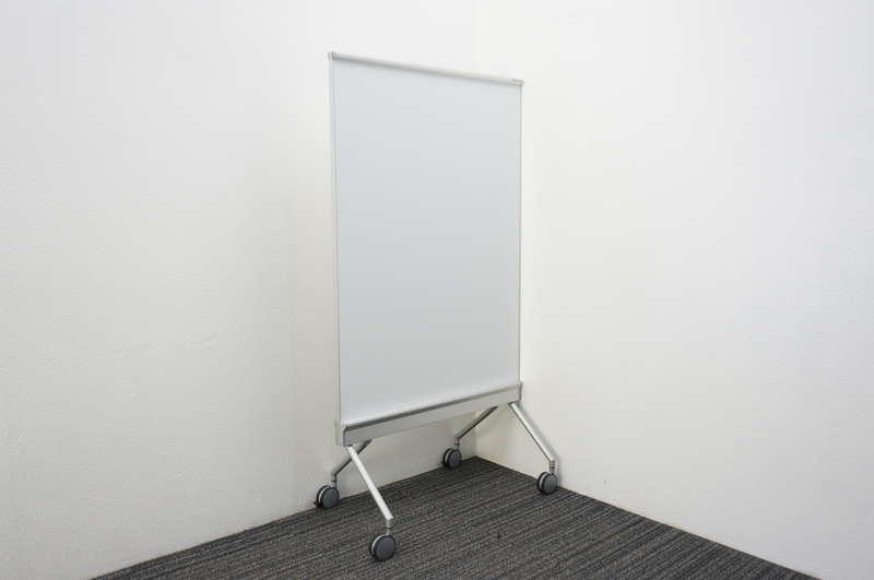 オカムラ アルトトーク スタンドボード ホワイトボード/スクリーン W880 D553 H1600