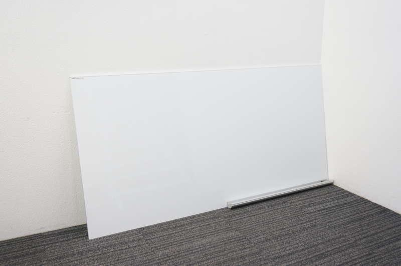 日学 メタルライン 壁掛けホワイトボード 36 無地 粉受け/壁固定用マグネット付き