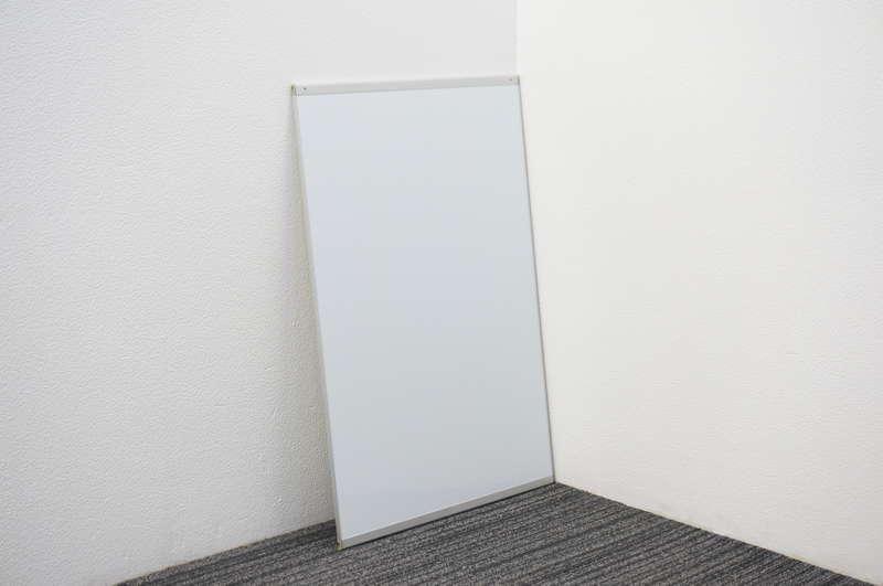 オカムラ アルトトーク マグネット式ホワイトボード 無地 W600 D12 H900