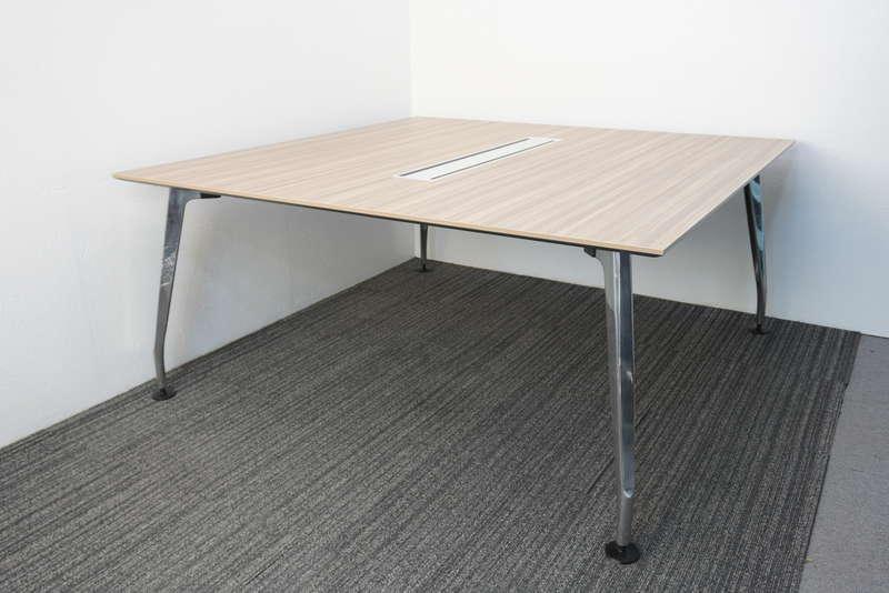 コクヨ サイビ ミーティングテーブル 1616 H720 グレインドミディアム