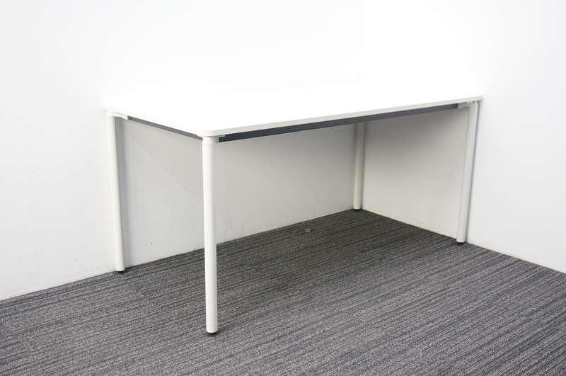 イトーキ DC ミーティングテーブル 1575 4本脚タイプ ホワイト